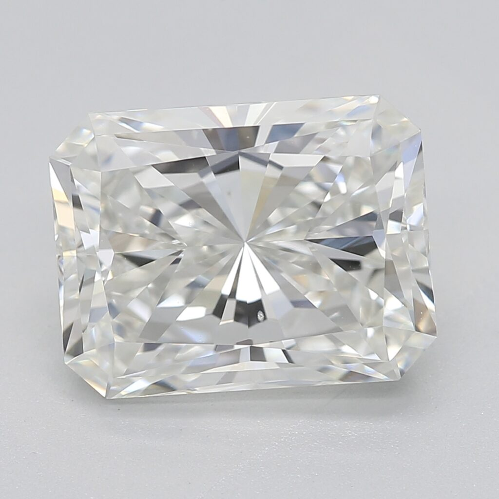 Radiant-cut-GIA-diamond